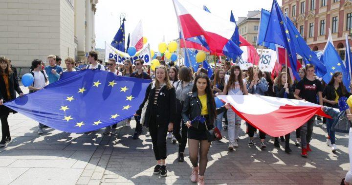 """Parada Schumana pod hasłem """"Wybieramy Europę!"""""""