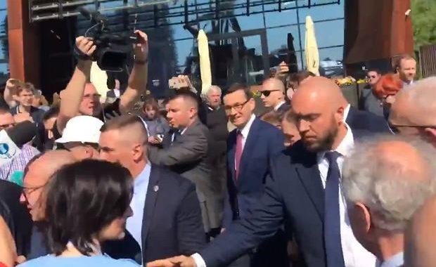Prezydent Gdańska ZATRZYMANA przez OCHRONĘ Morawieckiego.