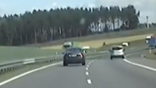 POŚCIG na autostradzie! Do Torunia spieszył się …Wideo!