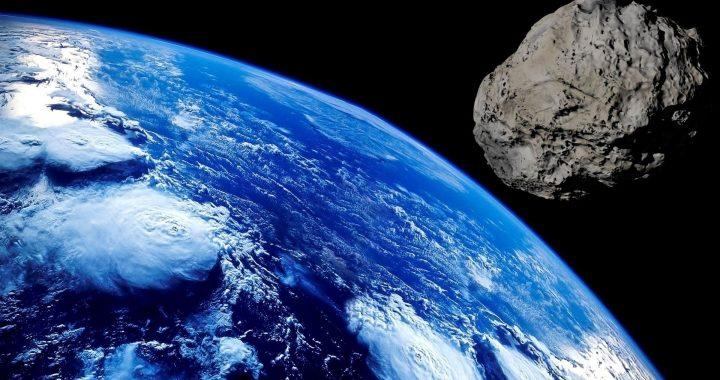 OGROMNA asteroida zbliża się do Ziemii! KONIEC świata 3 października!