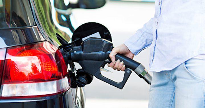 Stało się! Cena paliwa SPADNIE do 2 zł za litr!