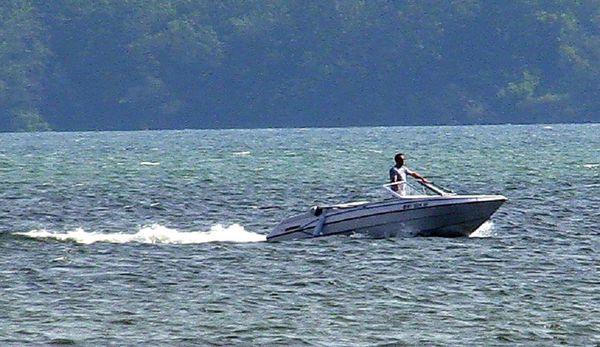 Wiadomo, jak naprawdę ZGINĄŁ milioner!Pijany ojciec WPŁYNĄŁ w jego łódkę.