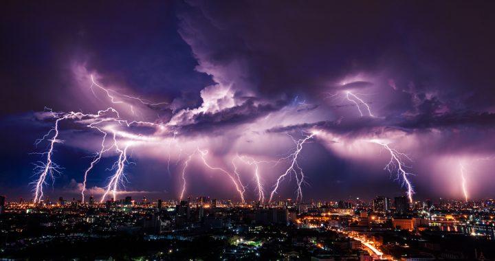 NAWAŁNICE nad Polską! GRAD i huragan!