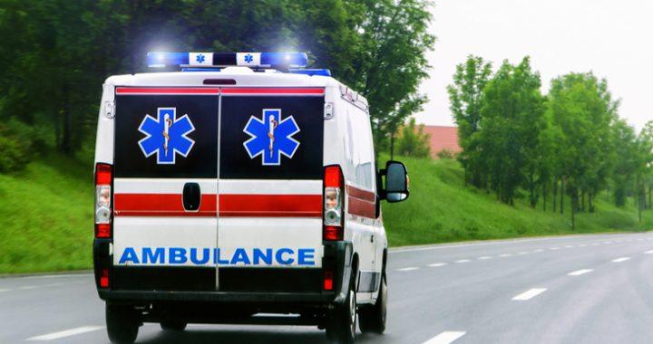 Naćpany sanitariusz jeździł z martwą pacjentką po Wrocławiu! Kobieta nie przeżyła transportu!