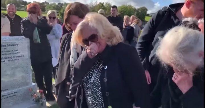 """Zmarły """"rozśmieszył"""" rodzinę na własnym pogrzebie! Wszystko przez to nagranie!"""