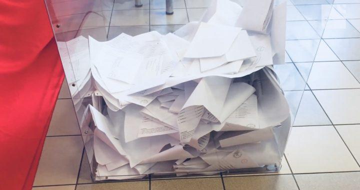Ogromna AFERA?! Zmazywalne długopisy w lokalach wyborczych?!