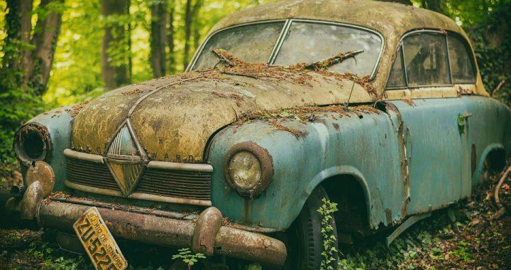 Kupił stare auto na giełdzie. Nie wiedział, że nowy nabytek skrywał w sobie mroczną tajemnicę!