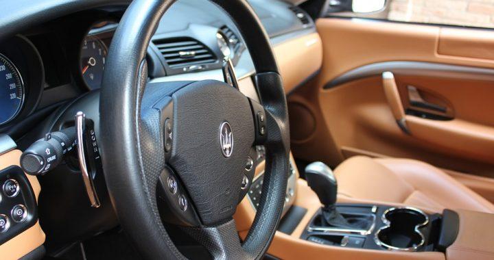 Zatrzymany burmistrz Włoch TYM przyjechał po łapówkę?! Wcale nie Maserati.