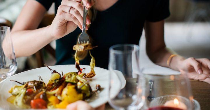 Pracownicy restauracji apelują: NIE ZAMAWIAJCIE tego! Grozi zatruciem!