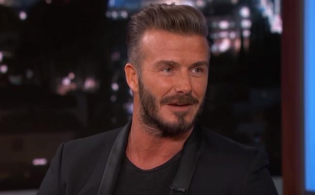 David Beckham bawi się w najlepsze z piękną aktorką! Co na to Victoria?