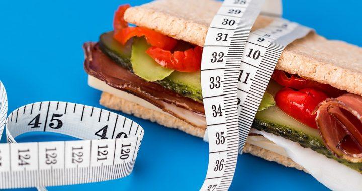 Jedz i chudnij! Te produkty wpływają na szybsze spalanie tłuszczu