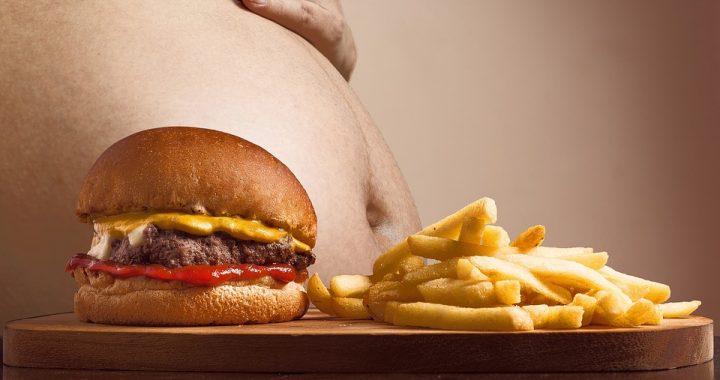 Lubisz jeść hamburgery? Uważaj! Możesz ZACHOROWAĆ NA…