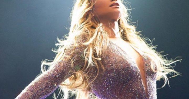 Jennifer Lopez pokazała się w szlafroku! Wszyscy TO zauważyli!