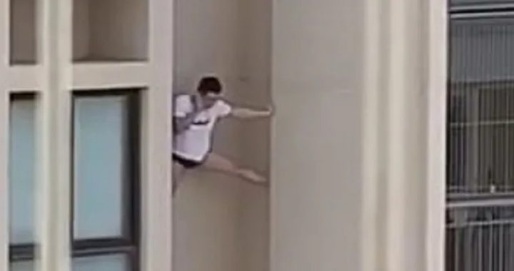 W popłochu uciekał z mieszkania kochanki! Mężczyzna schodził z (…)piętra!