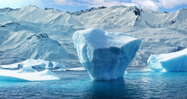 Antarktyda: gigantyczna góra lodowa oderwała się od lodowca! Czy to skutek globalnego ocieplenia?