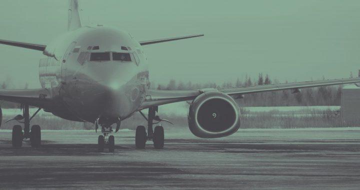 Stewardessa omal nie dostała zawału kiedy pasażer szepnął jej to do ucha! Chwilę później zrobił to na środku samolotu!