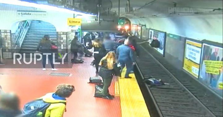 Horror na stacji metra! Mężczyzna wepchnął pod pociąg (…)!