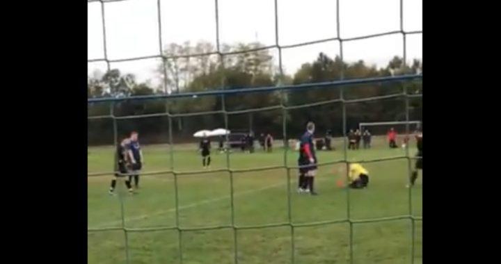 Sędzia pokazał mu czerwoną kartkę! Piłkarz nie wytrzymał i uderzył go pięścią w (…)!