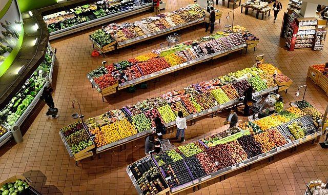 Kupujesz tak zapakowane warzywa?! TO dzieje się z Twoimi płucami!