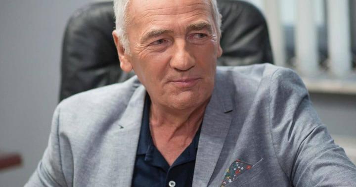Karol Strasburger został OJCEM, a ma już… lat!