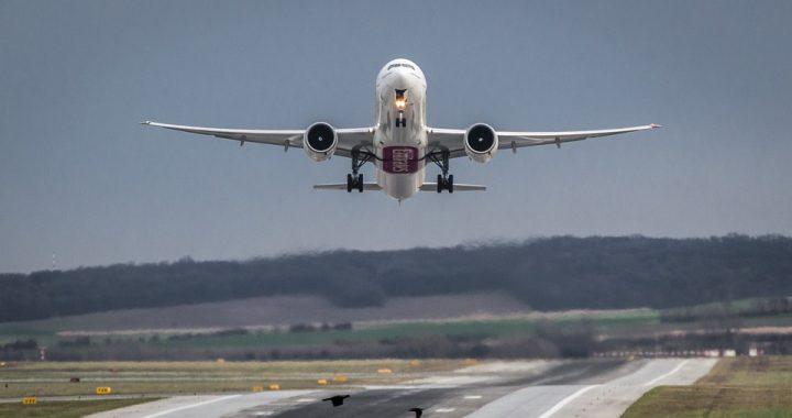 Poważny incydent podczas startu samolotu! Dwóch pasażerów zaczęło (…)!
