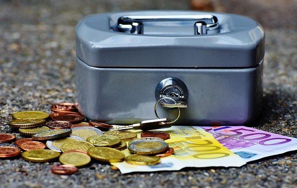 Pruszków: zuchwały rabunek emerytur i rent! Skradziono aż…