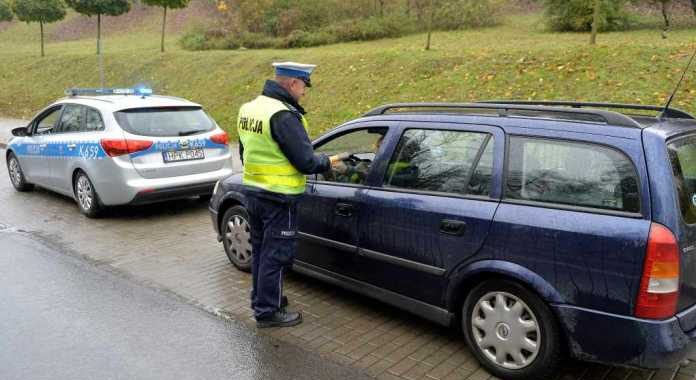 Bez prawa jazdy jeździł samochodem do pracy… W urzędzie wojewódzkim!