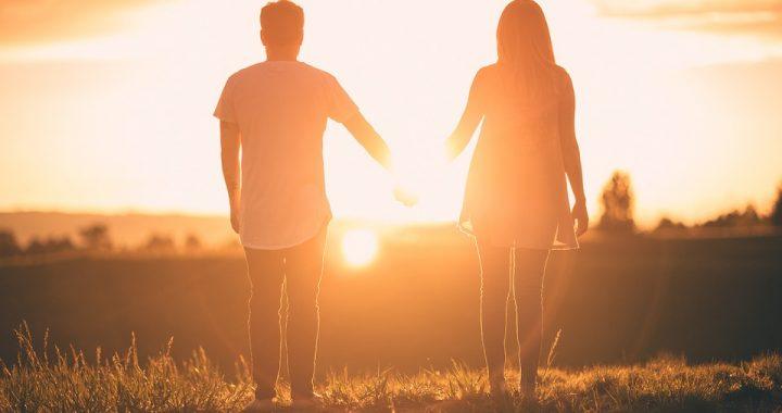 Chcesz zamieszkać z partnerem? Najpierw musicie spełnić te trzy warunki!