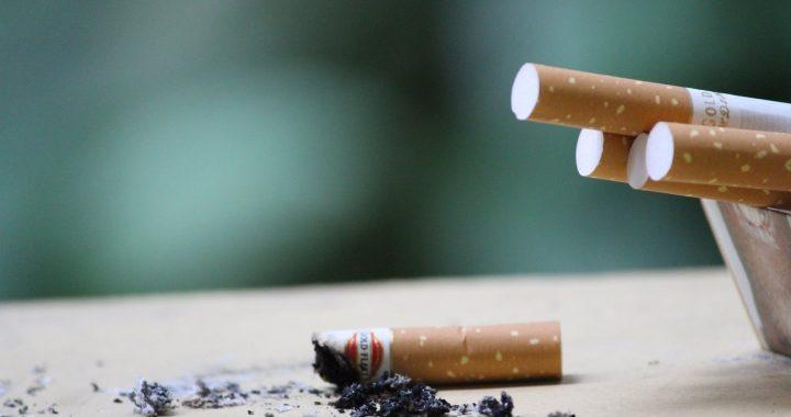Alkohol i papierosy BĘDĄ DROŻSZE! Rząd przyjął ustawę!