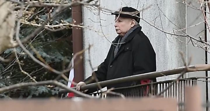 Kaczyński wyszedł z domu! Wszyscy TO zauważyli!