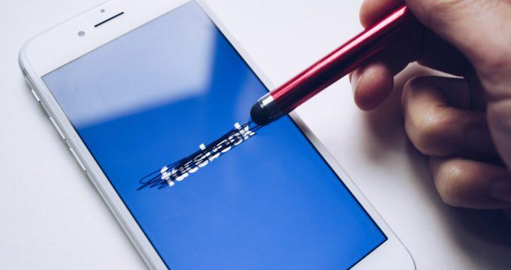 Odłóż smartfona! Czas spędzony na Facebooku NEGATYWNIE wpływa na…