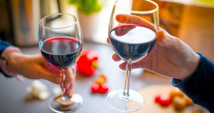 TO robi z twoim organizmem jeden kieliszek wina dziennie!