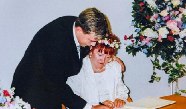 17 latek poślubił 51-latkę. TAK wyglądają po 18 latach…