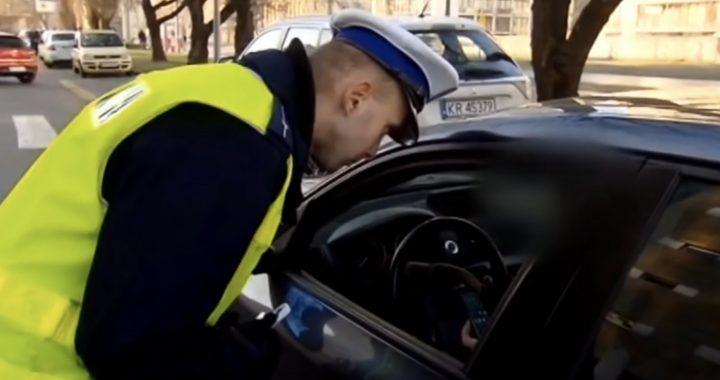 Rząd szuka pieniędzy? MANDAT za bałagan w samochodzie. Kierowcy zapłacą nawet…