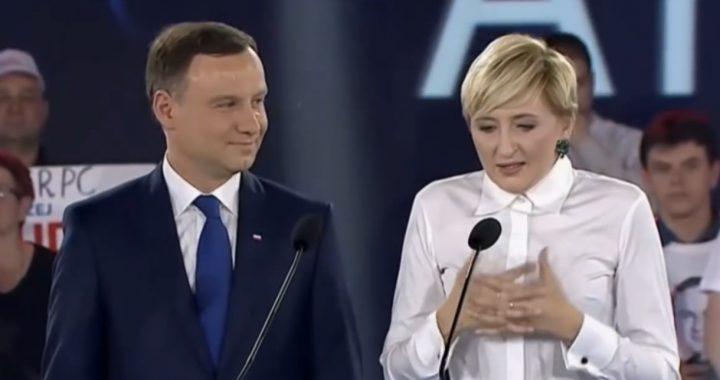 """Kancelaria Dudy wydała prawie MILIARD złotych w ciągu kadencji. """"Apaszki za 18 tys. a na prezent nawet…"""" Lista."""