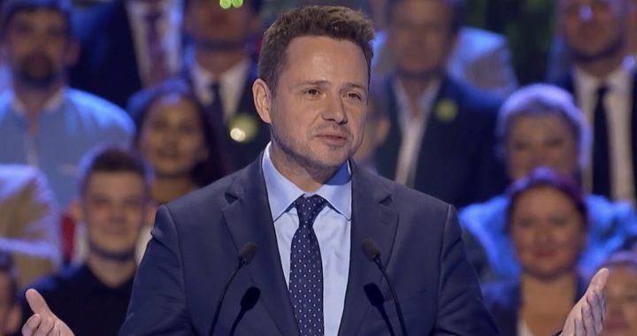 """PiS chce postawienia zarzutów Trzaskowskiemu? """"Kompromitacja"""""""