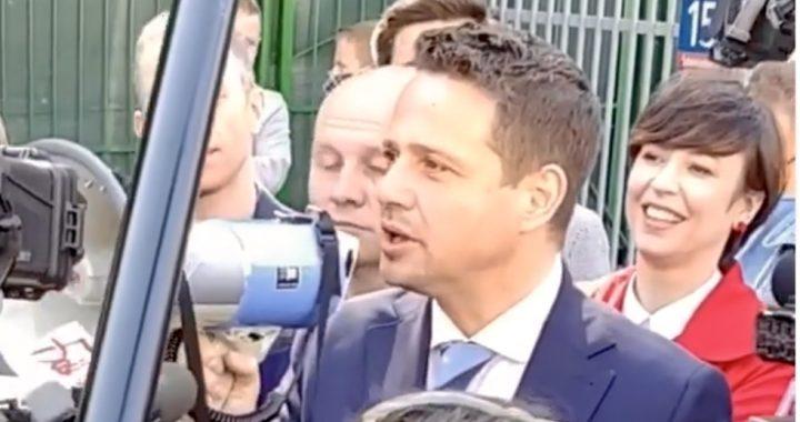"""Chciał ZABIĆ Trzaskowskiego?! Akcja policji! """"Służby wiedziały i…""""."""