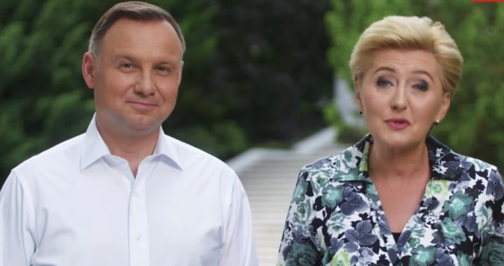 """TYLE Duda wydał w ciągu roku na wyjazdy zagraniczne! """"Rozrzutność prezydenta"""""""