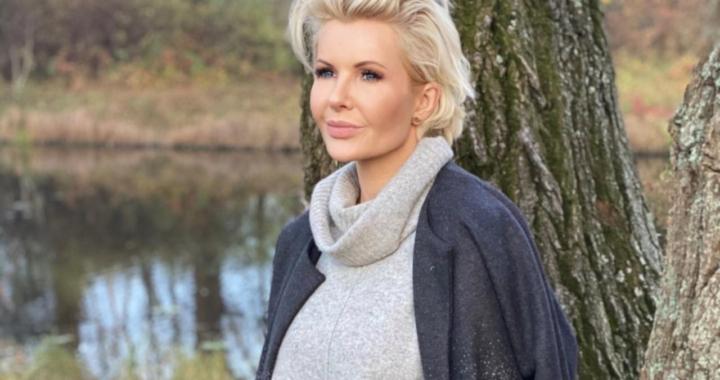 Joanna Racewicz filozofuje w parku. Fani zaniepokoili się o jej zdrowie!