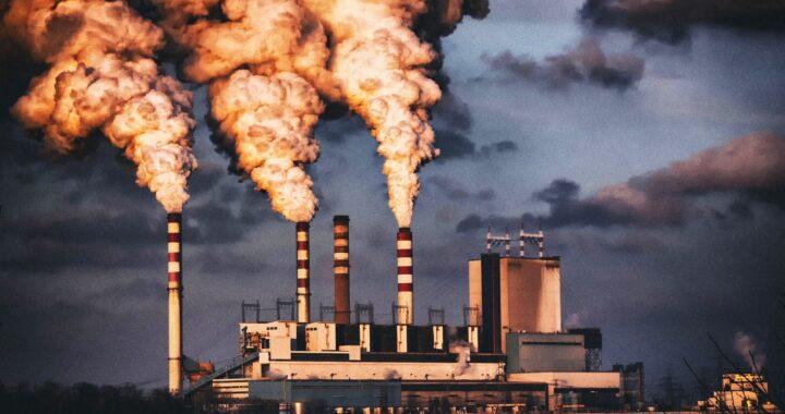 Są pieniądze na polską energetykę. Europa chce ograniczyć emisję gazów cieplarnianych.