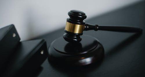 Rodzice zabili czworo noworodków! Sąd złagodził karę!