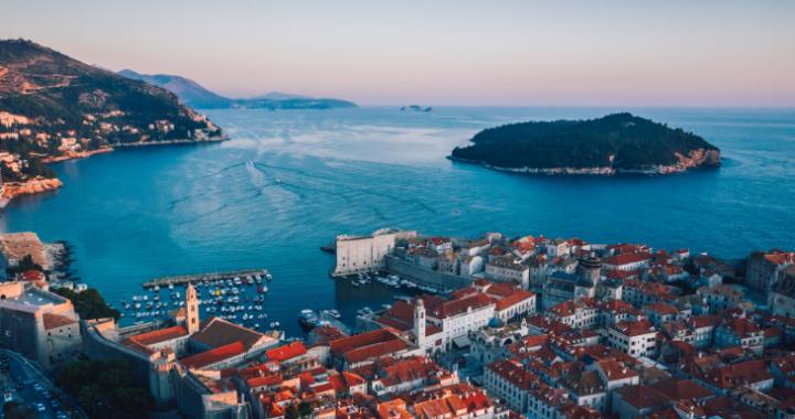 Chorwacja NAGLE zmienia zasady WJAZDU dla turystów! Jak to wpłynie na PODRÓŻE?