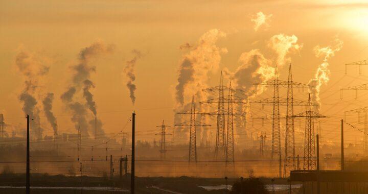 Chiny TRUJĄ świat! Rośnie globalne emisja CO2.