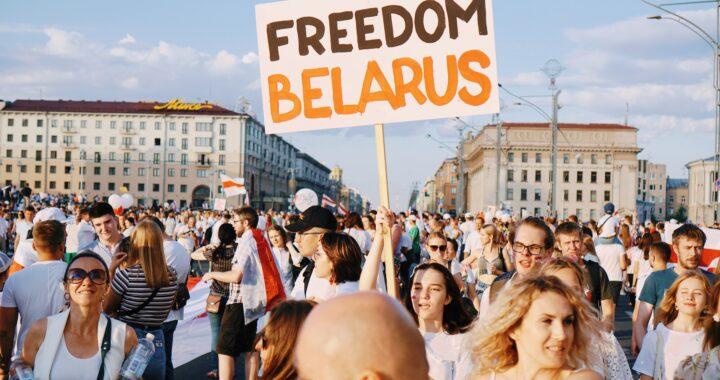 Pół milona Białorusinów w Polsce?! Czy ZABIORĄ nam pracę?